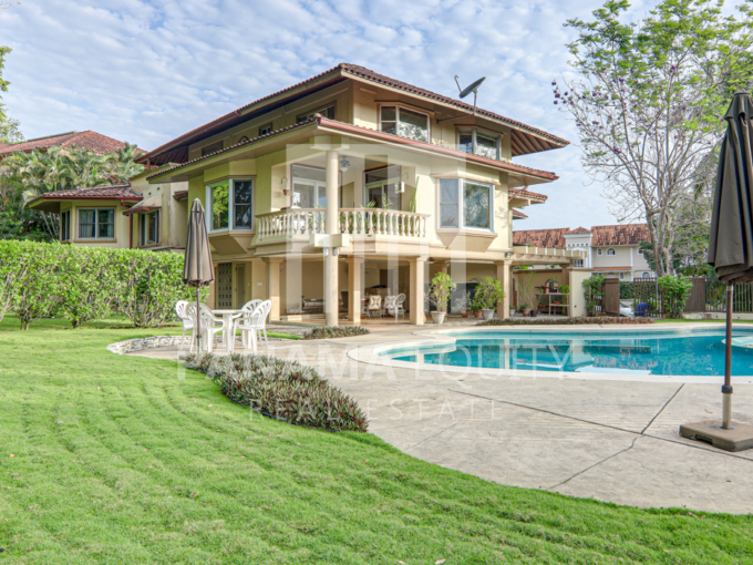 Stunning Three-Story Home for sale in Albrook