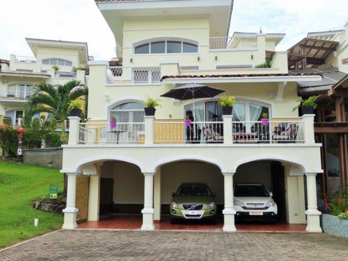 Tucan Country Club villa.