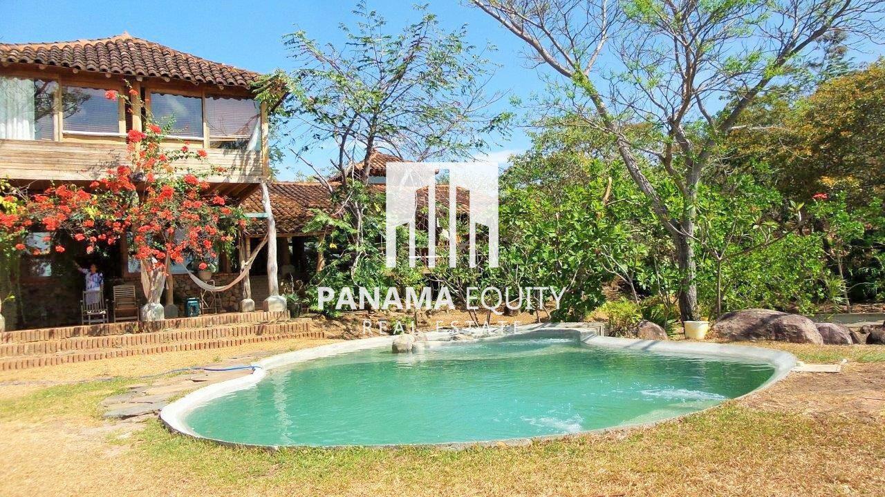 Mountain Top Villa – Large Estate near Coronado PANAMA