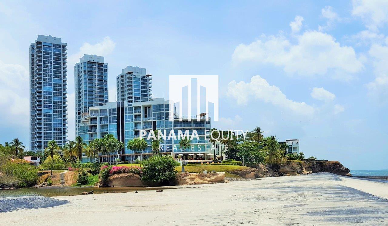 Villa Rio – Elegant Ocean View Condo