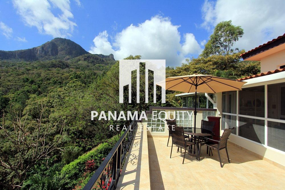 Peace, Privacy and Views: Casa Maria