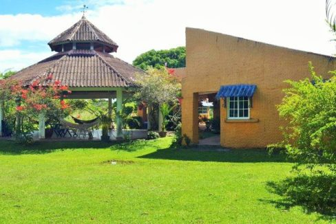 Anton Panama Mountain Home for sale