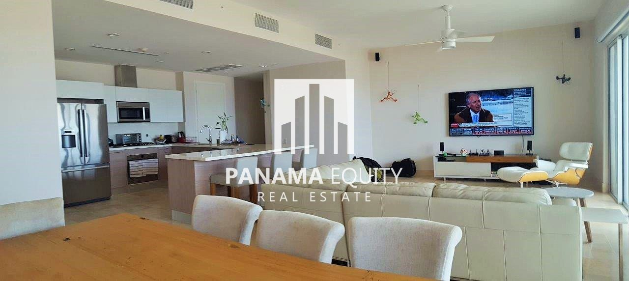 Marina View Villa – Luxury Condo in Buenaventura