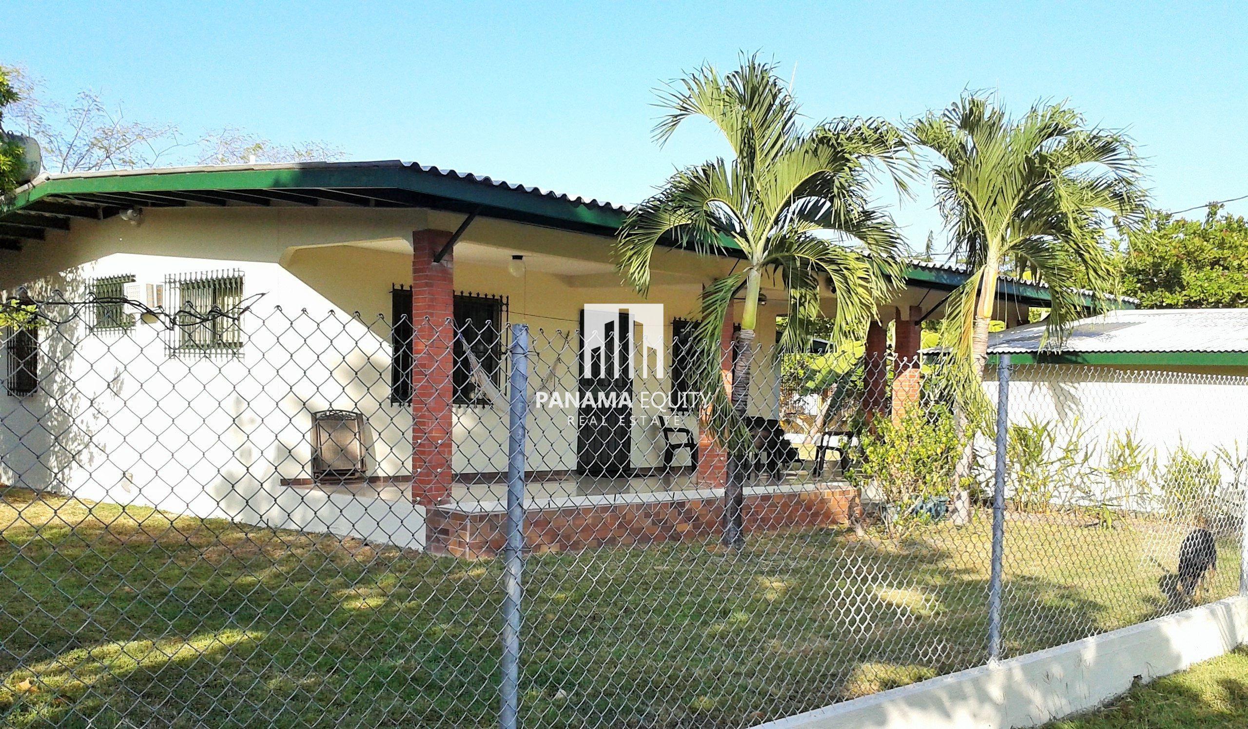 Affordable Country House Near Coronado