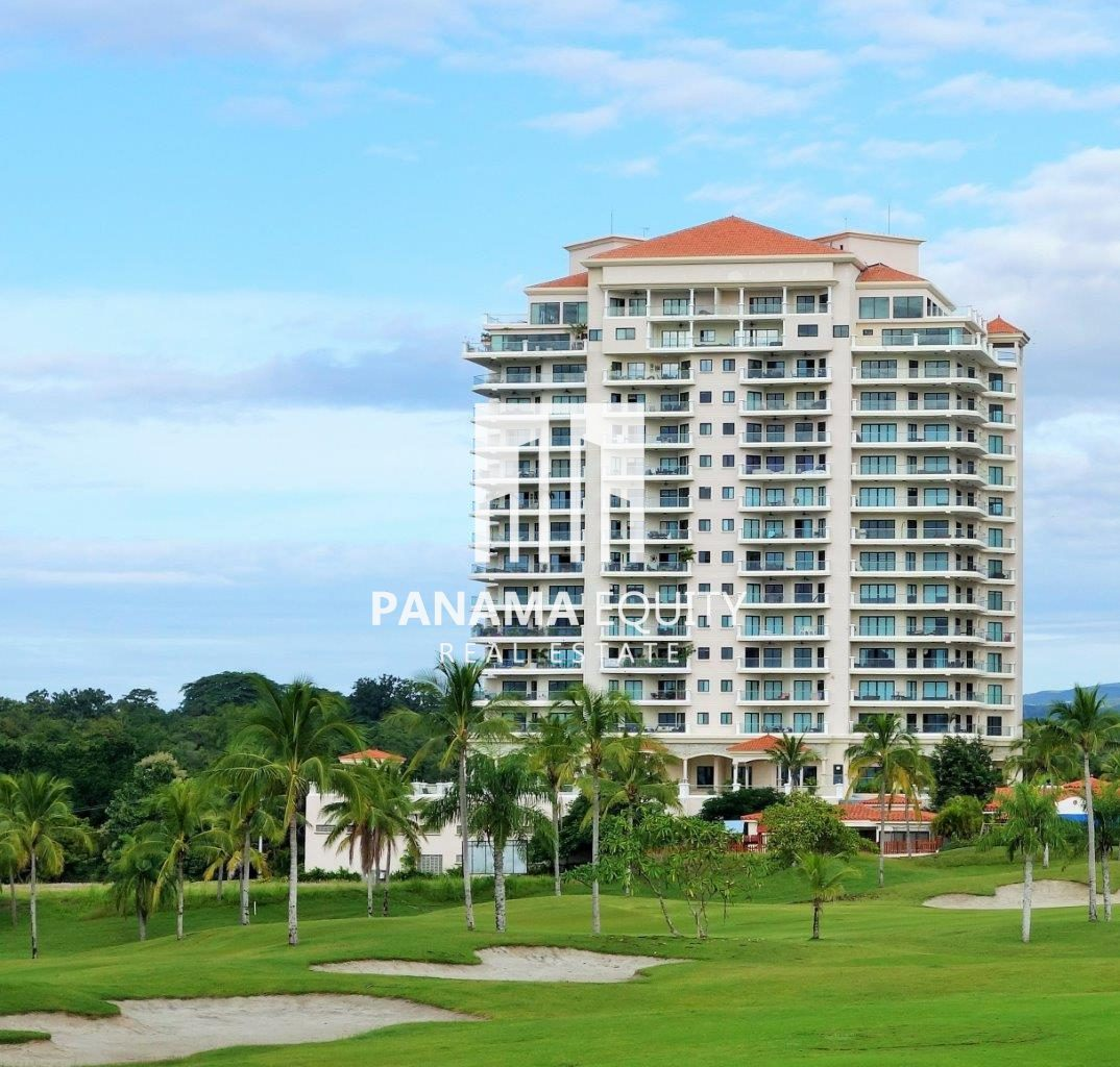 Spacious Condo in Golf Course Community Priced to Sale