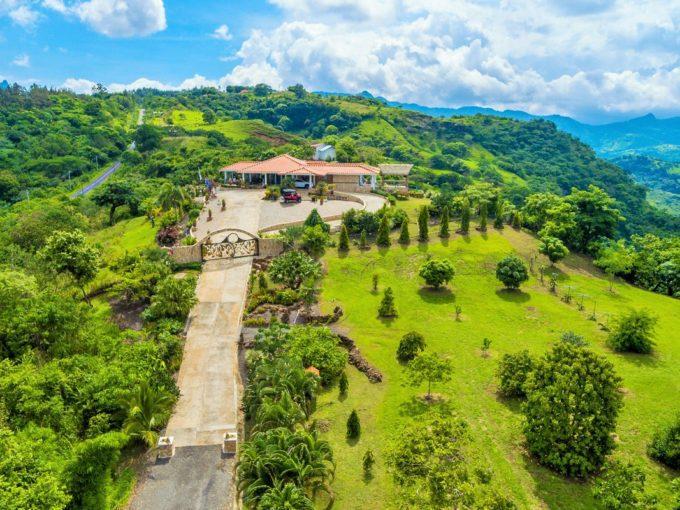 panama-sunrise-mountain-villa
