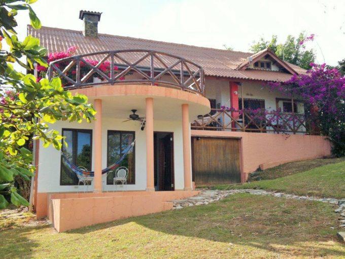 Sora Panama Mountain Home for sale
