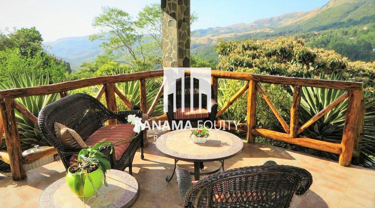Impecable residencia con Hermosas vistas a las Montañas
