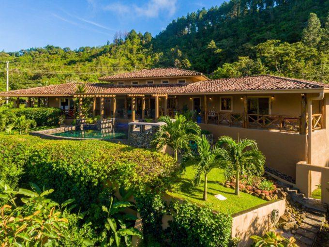 Beautiful Altos del Maria home for sale.