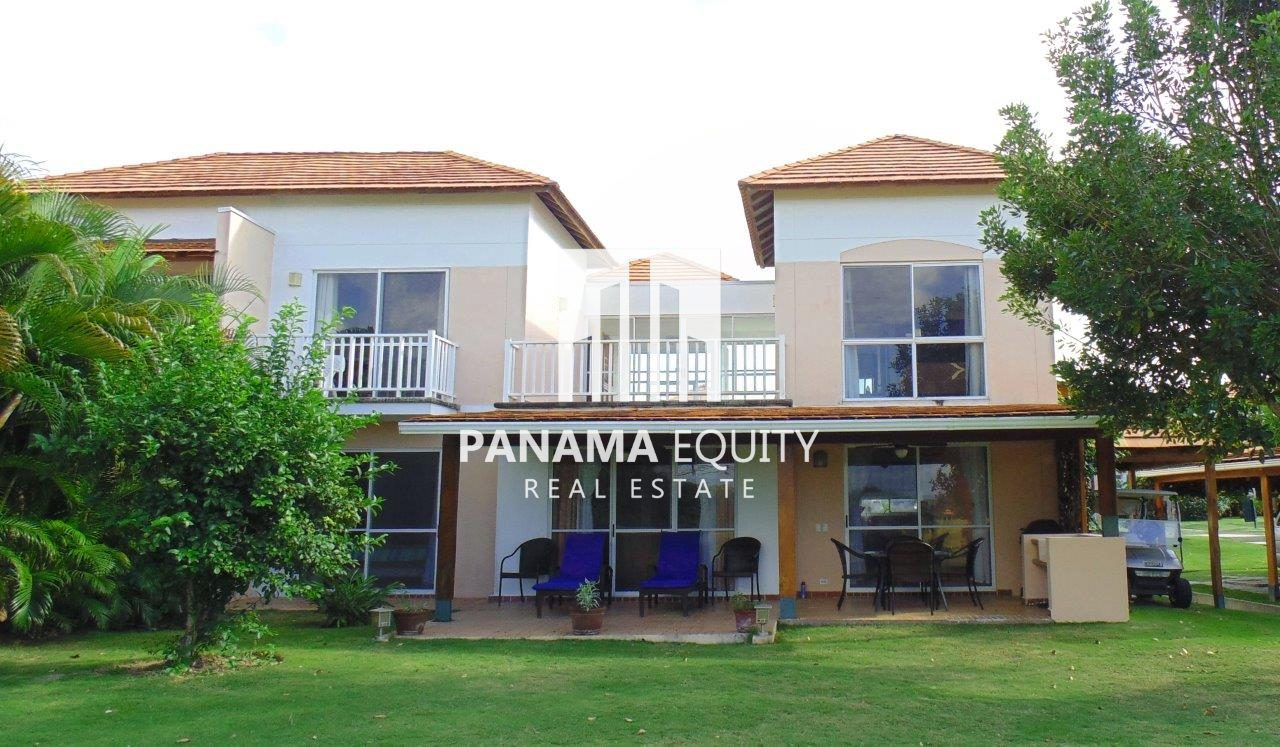 Income Producing Town House in Beach and Golf Resort
