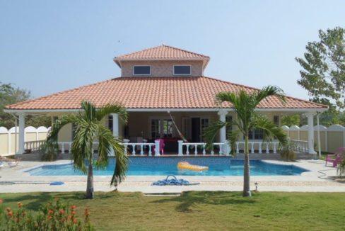 Panama beach home for sale Coronado Panama