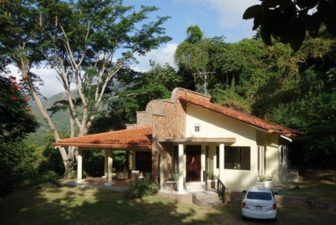 Panama Mountain homes for sale Altos del Maria Panama