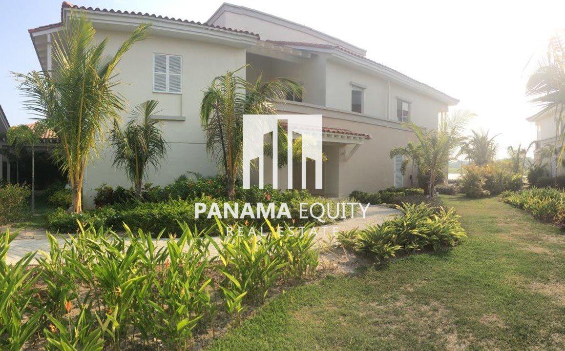Luxurious and Spacious Duplex in Buenaventura