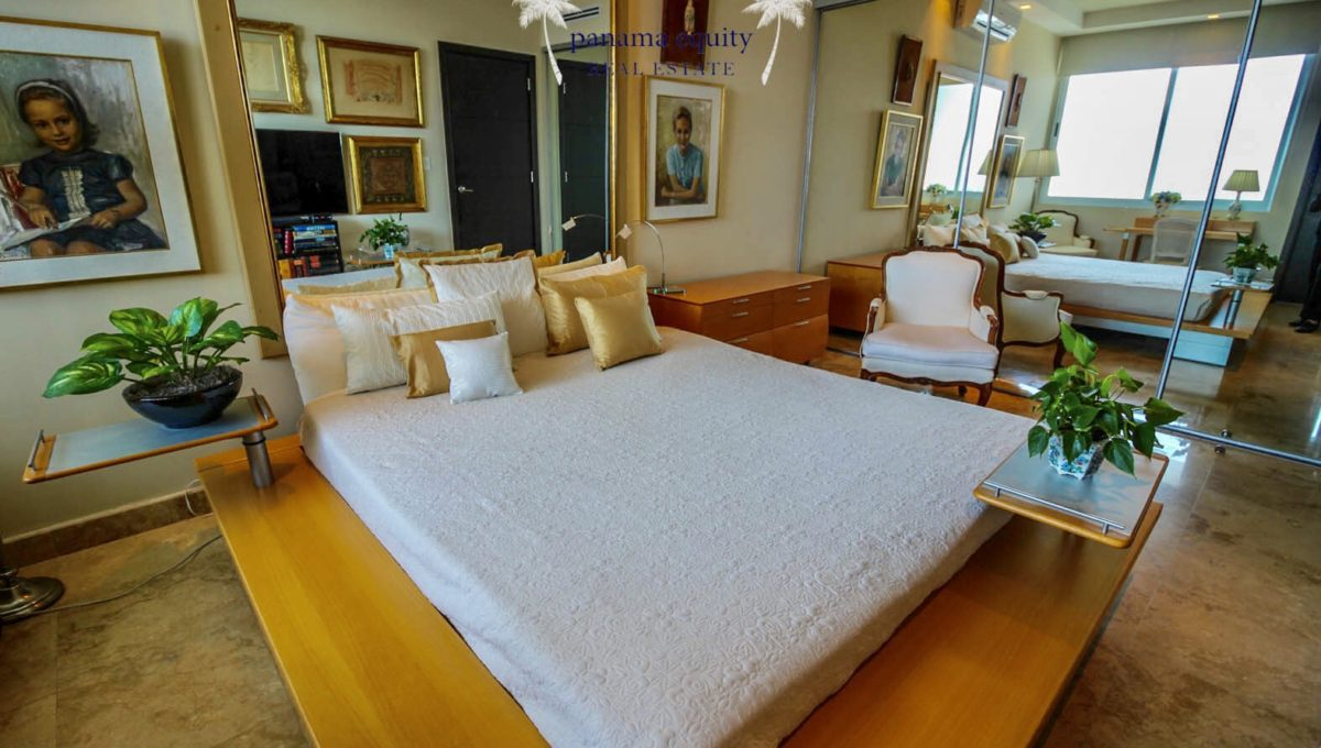 17-Top-Luxury-Panama-Penthouse-for-Sale-8