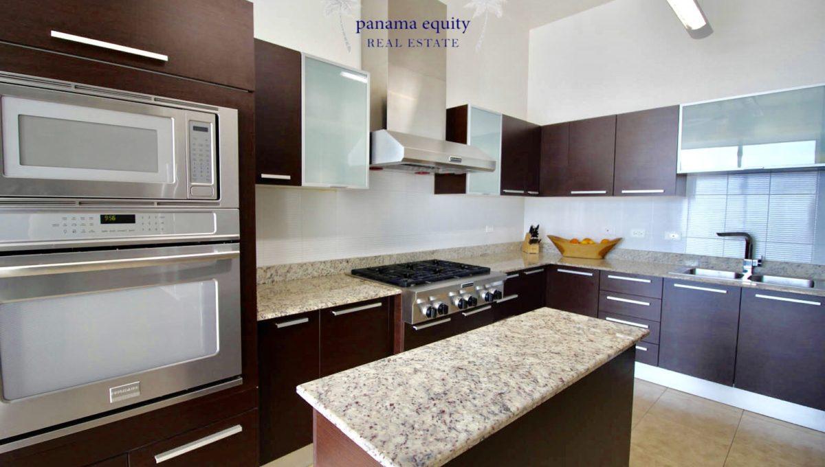 18-Top-Luxury-Panama-Penthouse-for-Sale-13