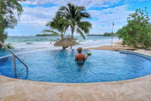 Beach-Club-Pool