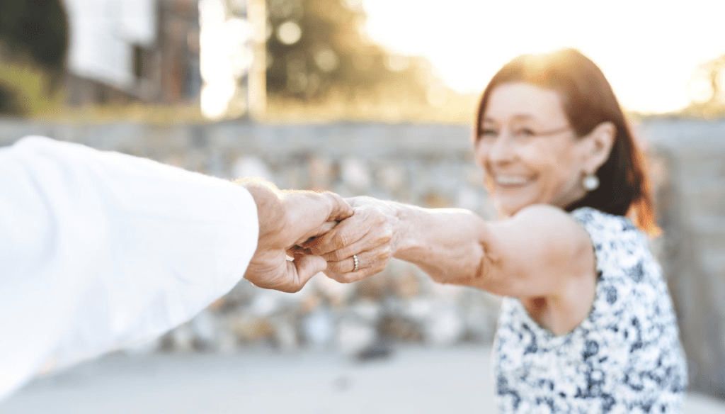 Benefits of a pensionado visa in panama retirees having fun on beach