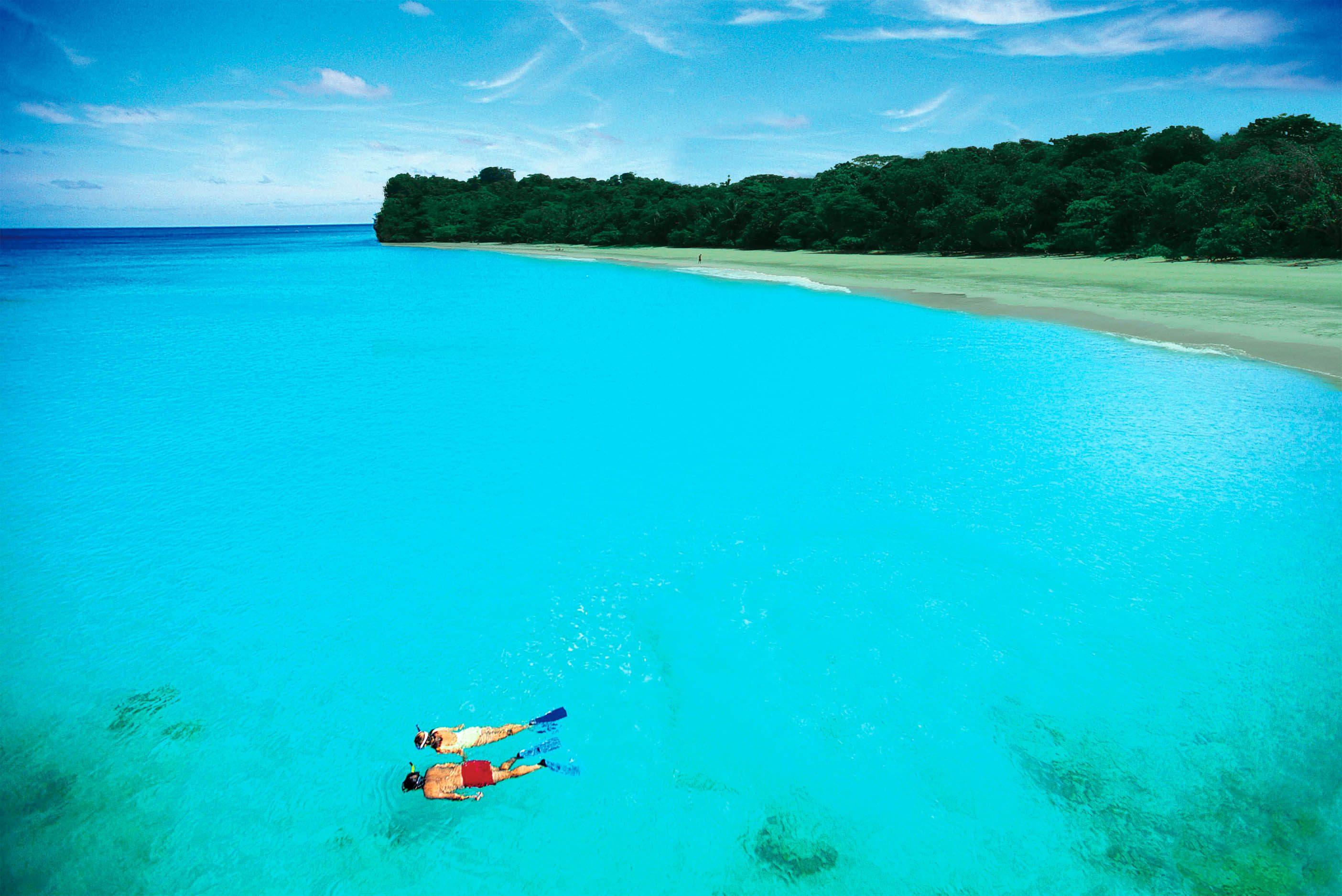 Bocas-del-Toro-Panama-Red-Frog-Resort