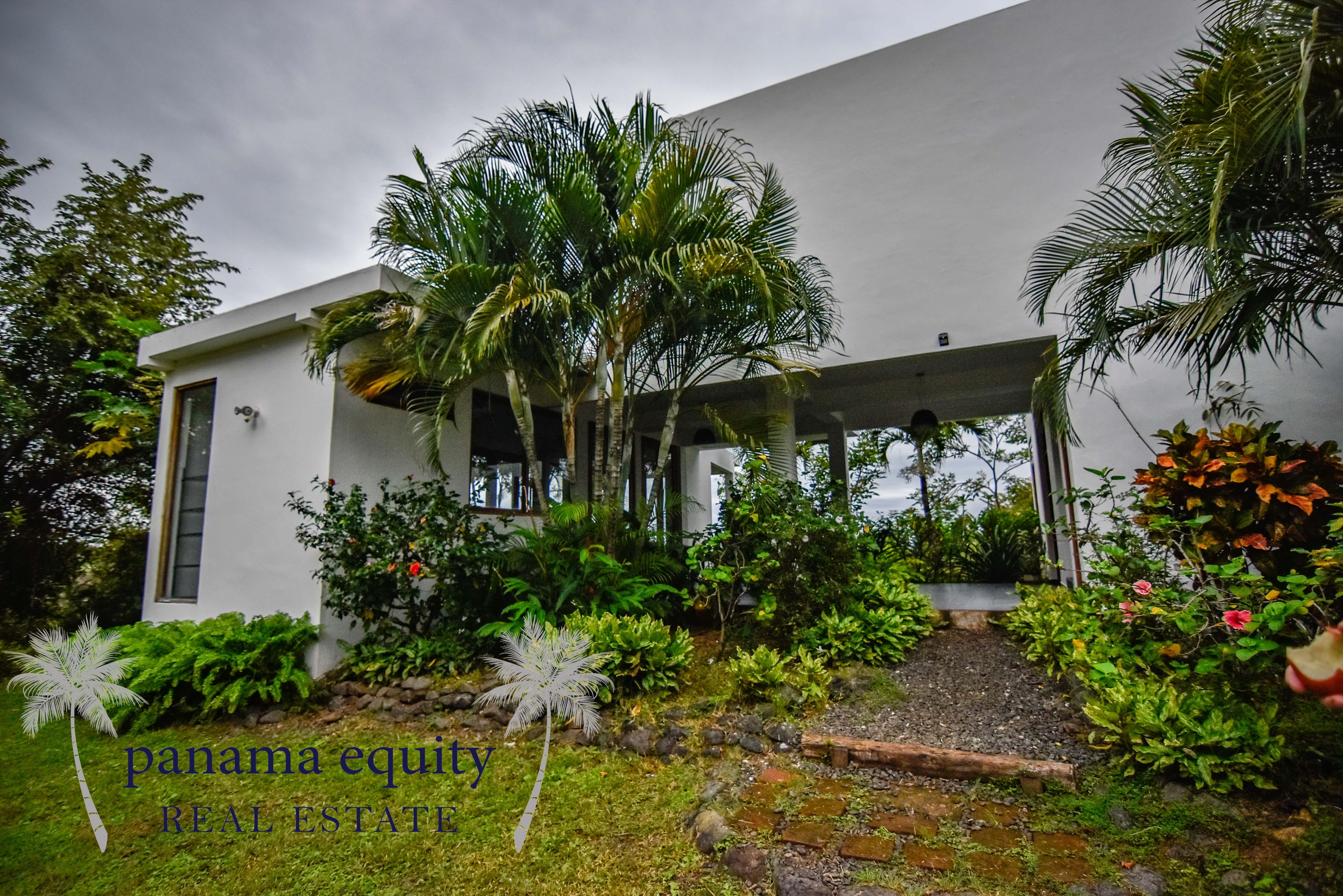 Casa Espave: Your Luxury Hilltop Hideaway at Playa Venao