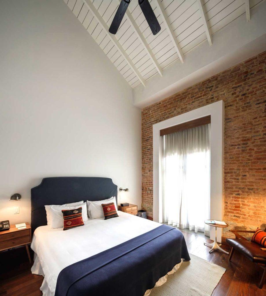 Las Clementinas Hotel Room