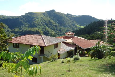 Luxury-home-for-sale-in-San-Carlos-10-1