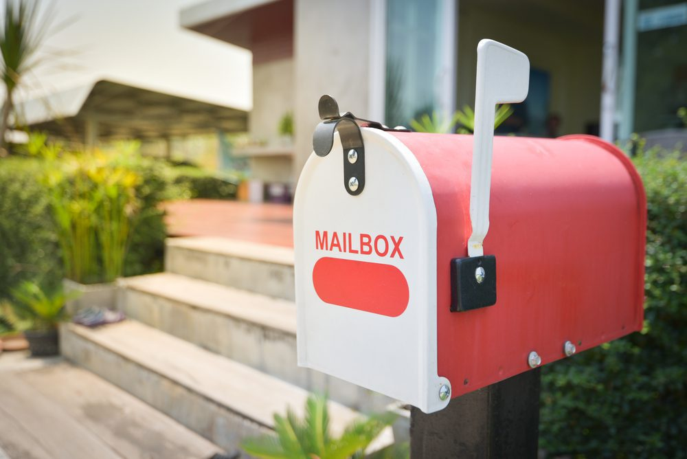 Mail-box-carrier-red