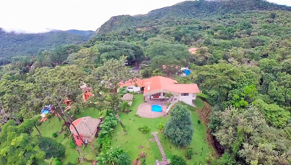 Altos de Maria Panama mountain home for sale