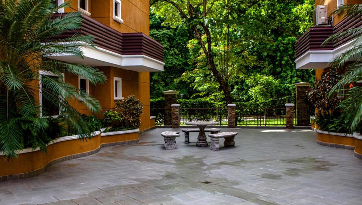panama-city-condos-for-rent-embassy-club13