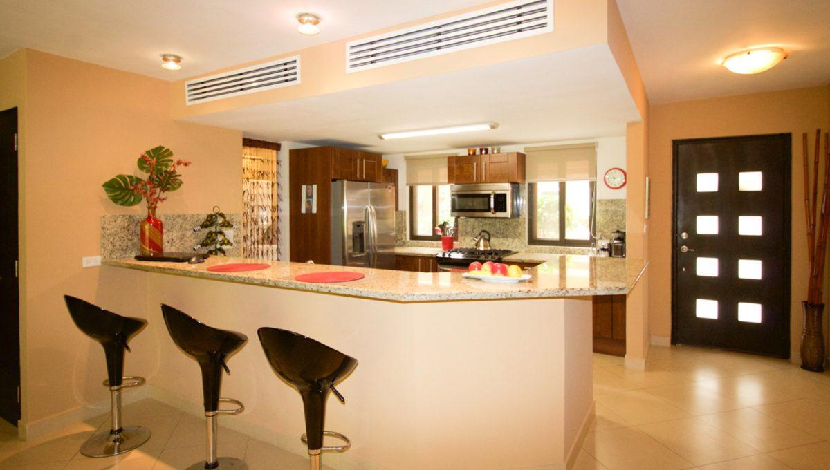 panama-city-condos-for-rent-embassy-club3