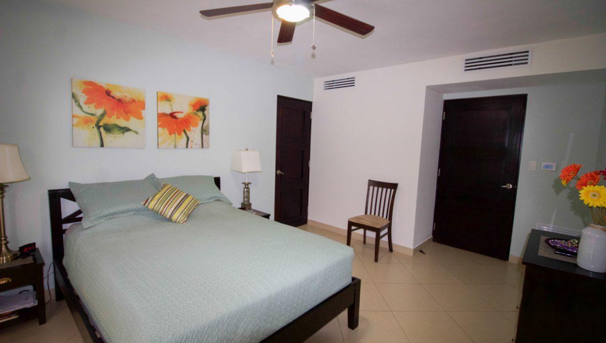 panama-city-condos-for-rent-embassy-club7