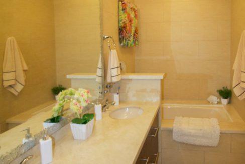 panama-city-condos-for-rent-embassy-club8