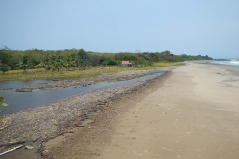 Prime Oceanfront Parcel near Playa Venao Panama 3