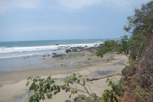 Prime Oceanfront Parcel near Playa Venao Panama 5