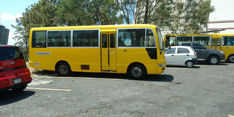 school-bus-in-panama