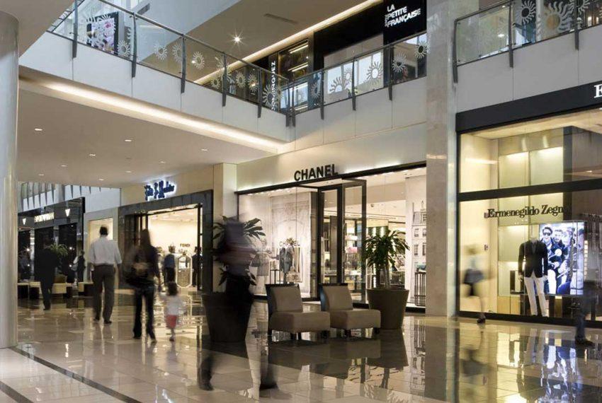 Balboa Avenue: Latin America's Shopping Paradise