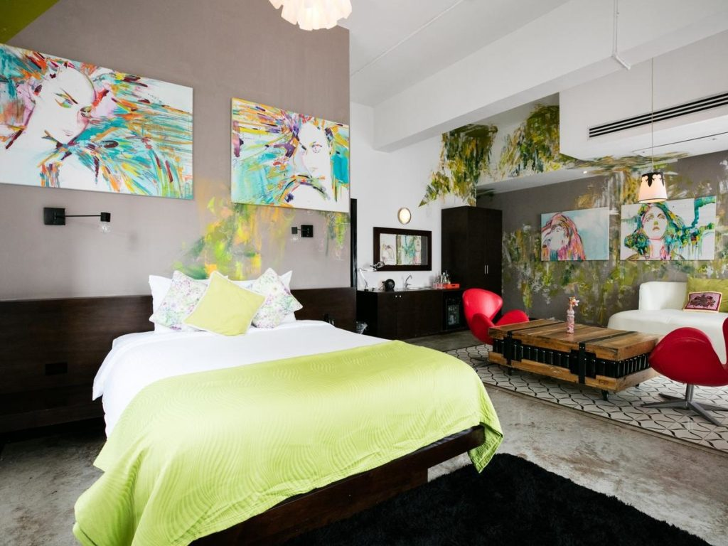 Tantalo Hotel room