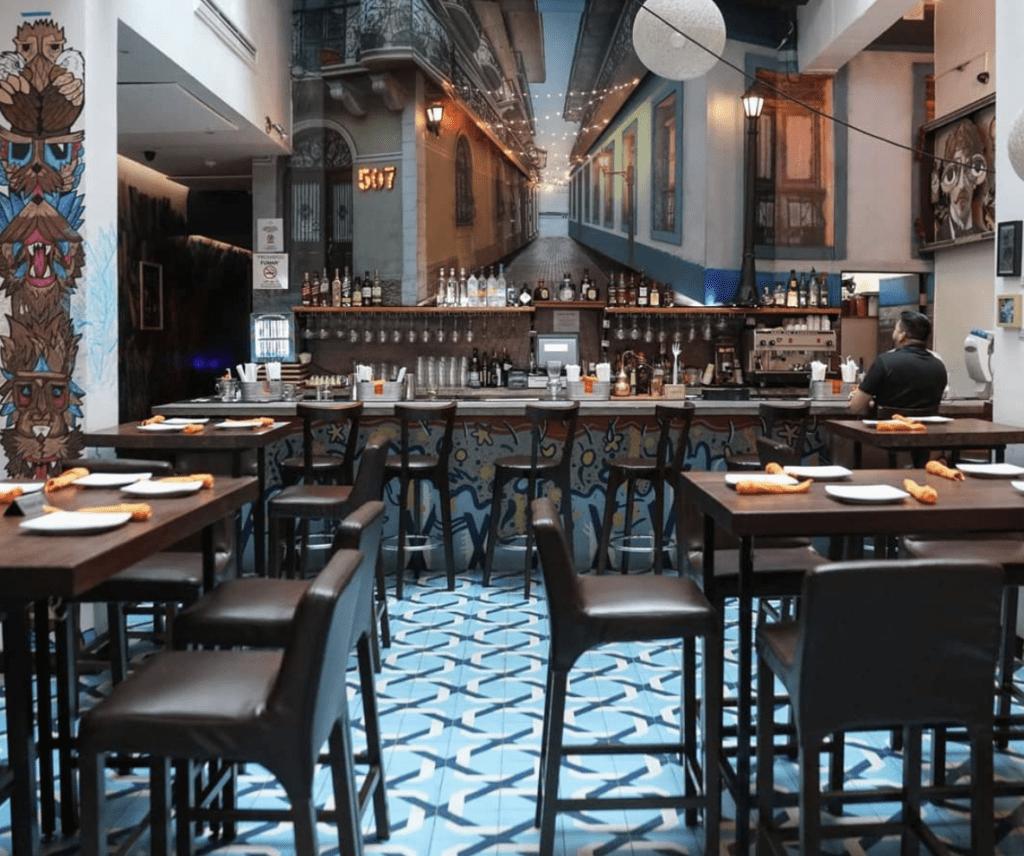 Tantalo hotel bar and restaurant area