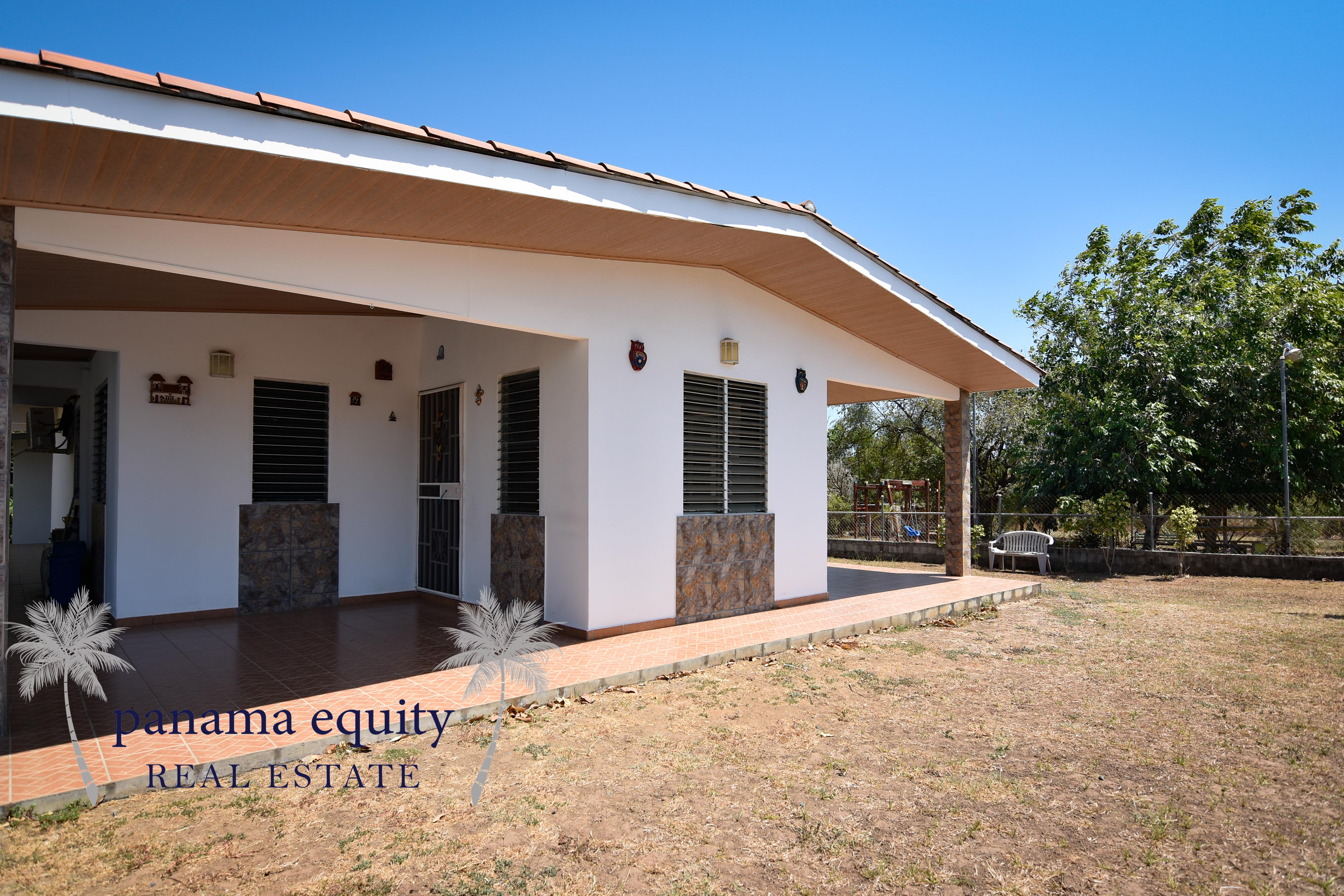 Incredible home in Pedasi town priced to move