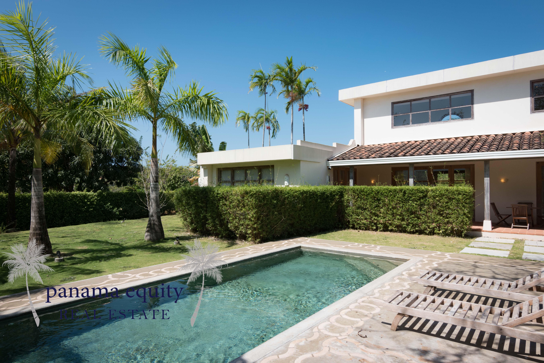 Luxurious Estate in Los Destiladeros, Pedasi For Sale