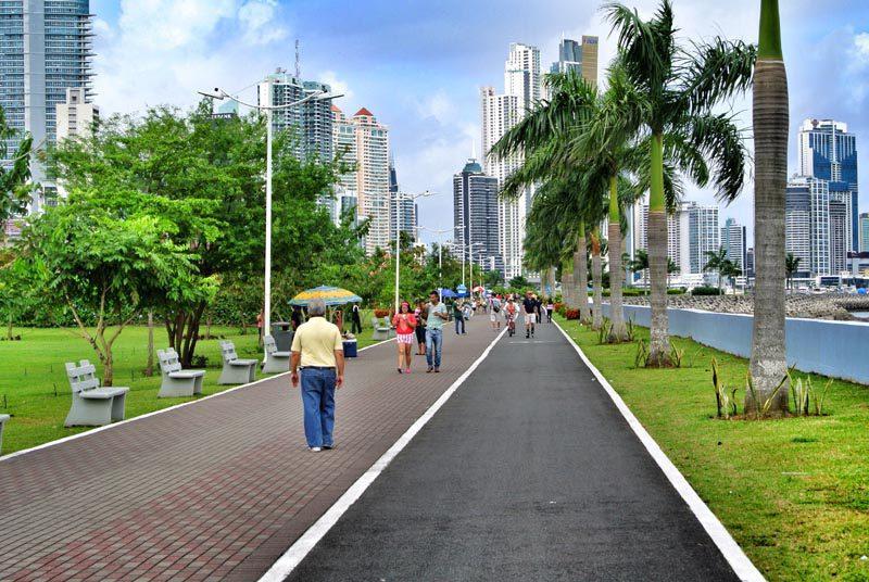 cinta-costera-walking-leisure-destination