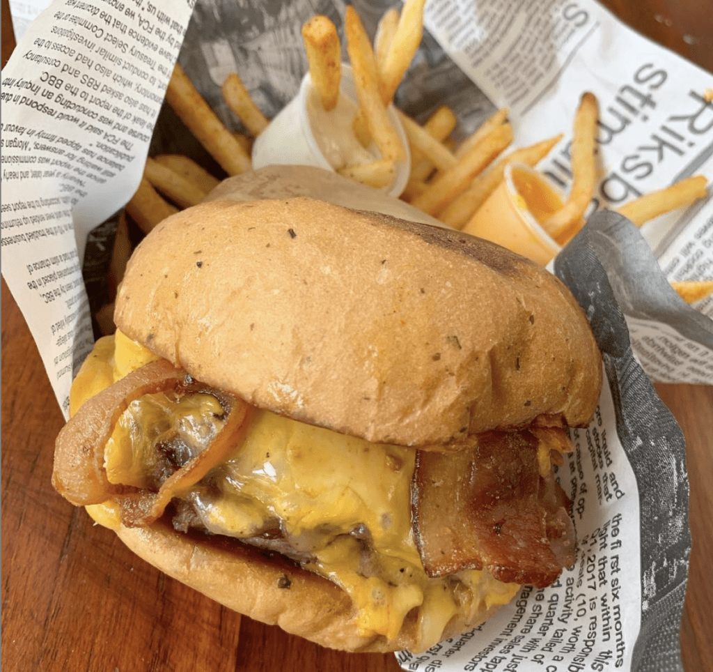 esa-flaca-rica-burger-panama
