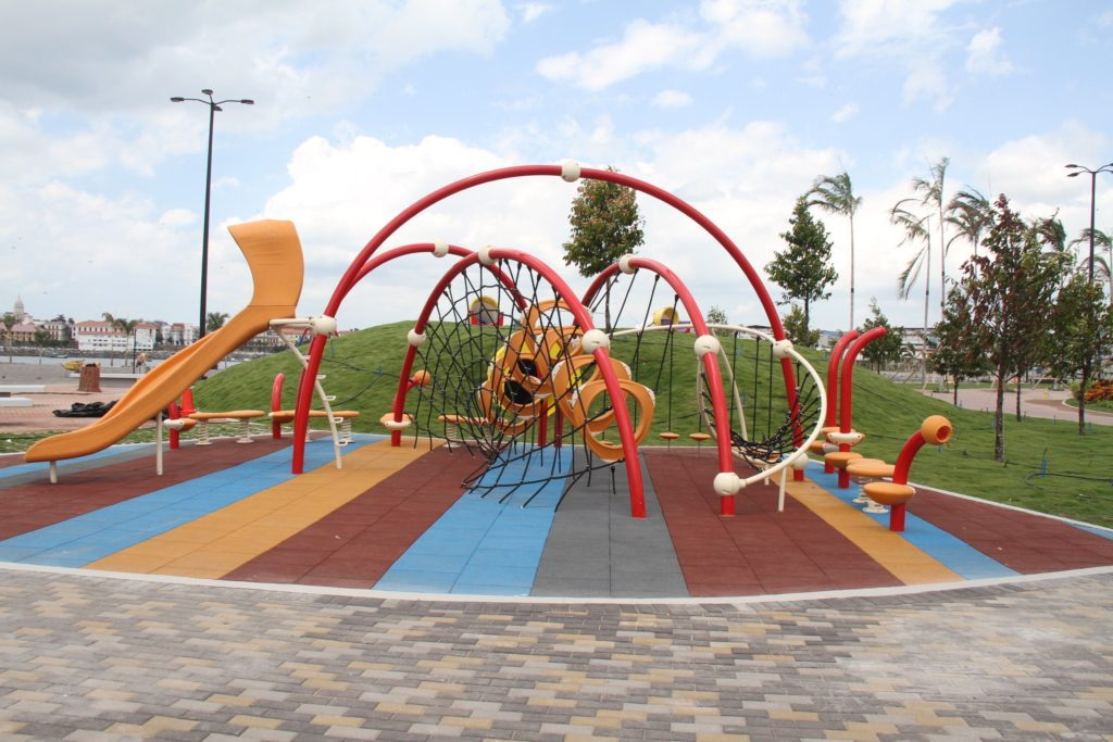 panama-cinta-costera-playground-kids-activity