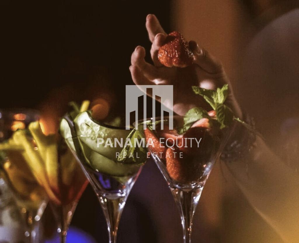 relic-bar-panama-city-panama