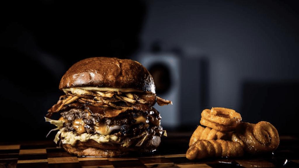 tio-navaja-burger-panama