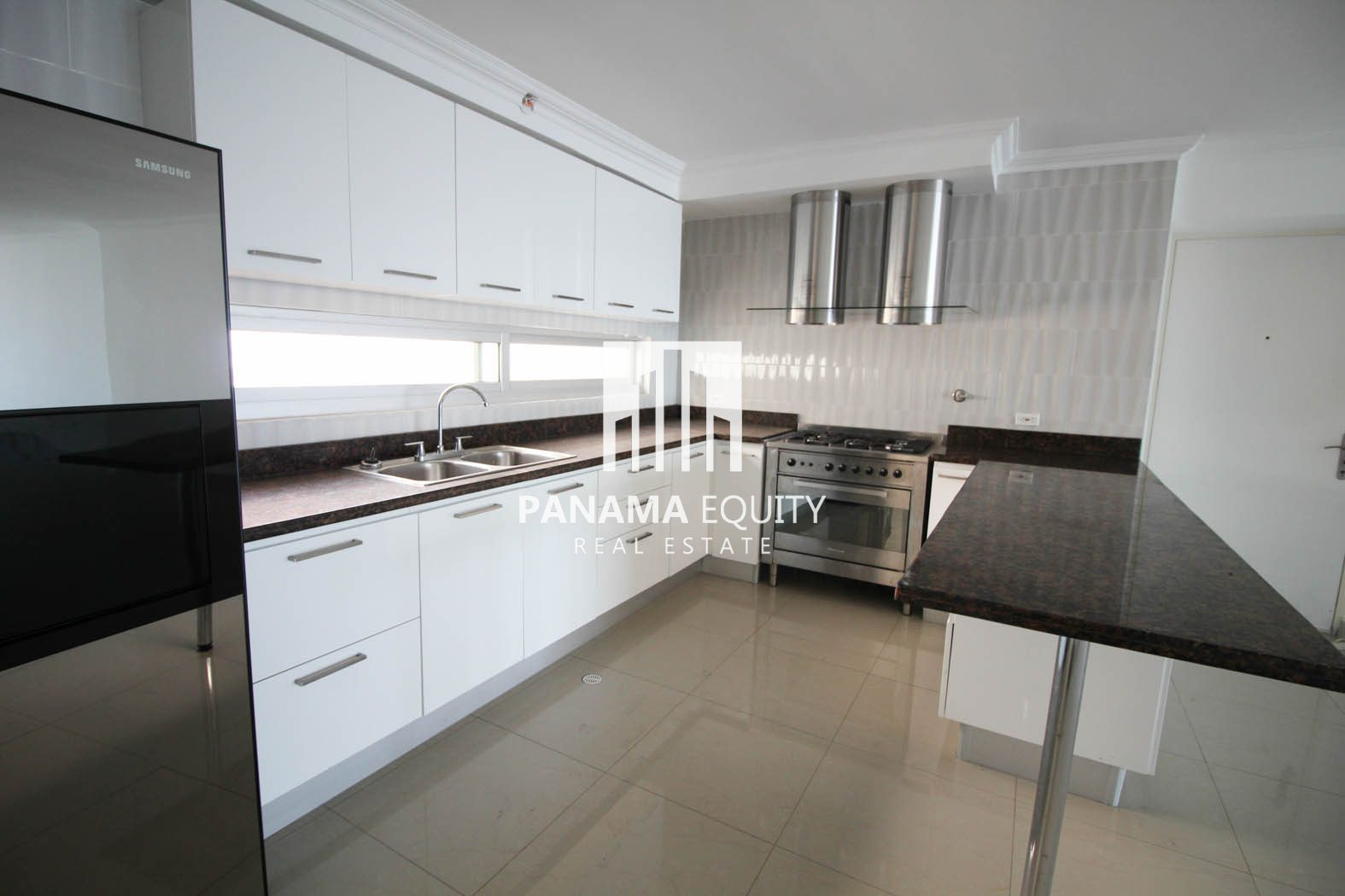 Spacious and Modern in Coco del Mar