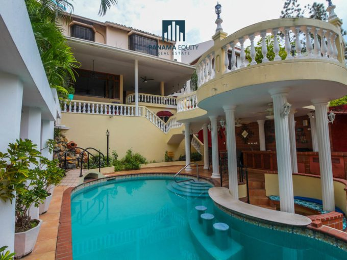 This beautiful residence in one of the best pieces of real estate available in the El Dorado neighborhood.