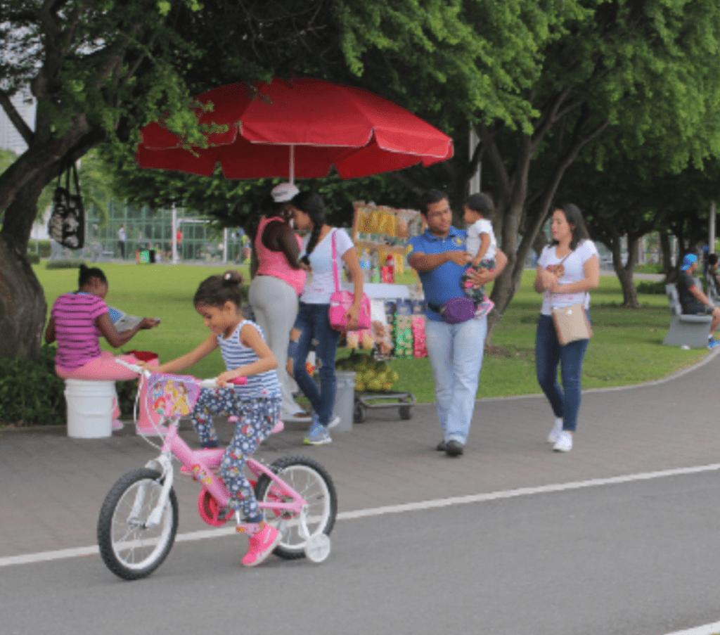 child-riding-bike-cinta-costera-avenue-balboa