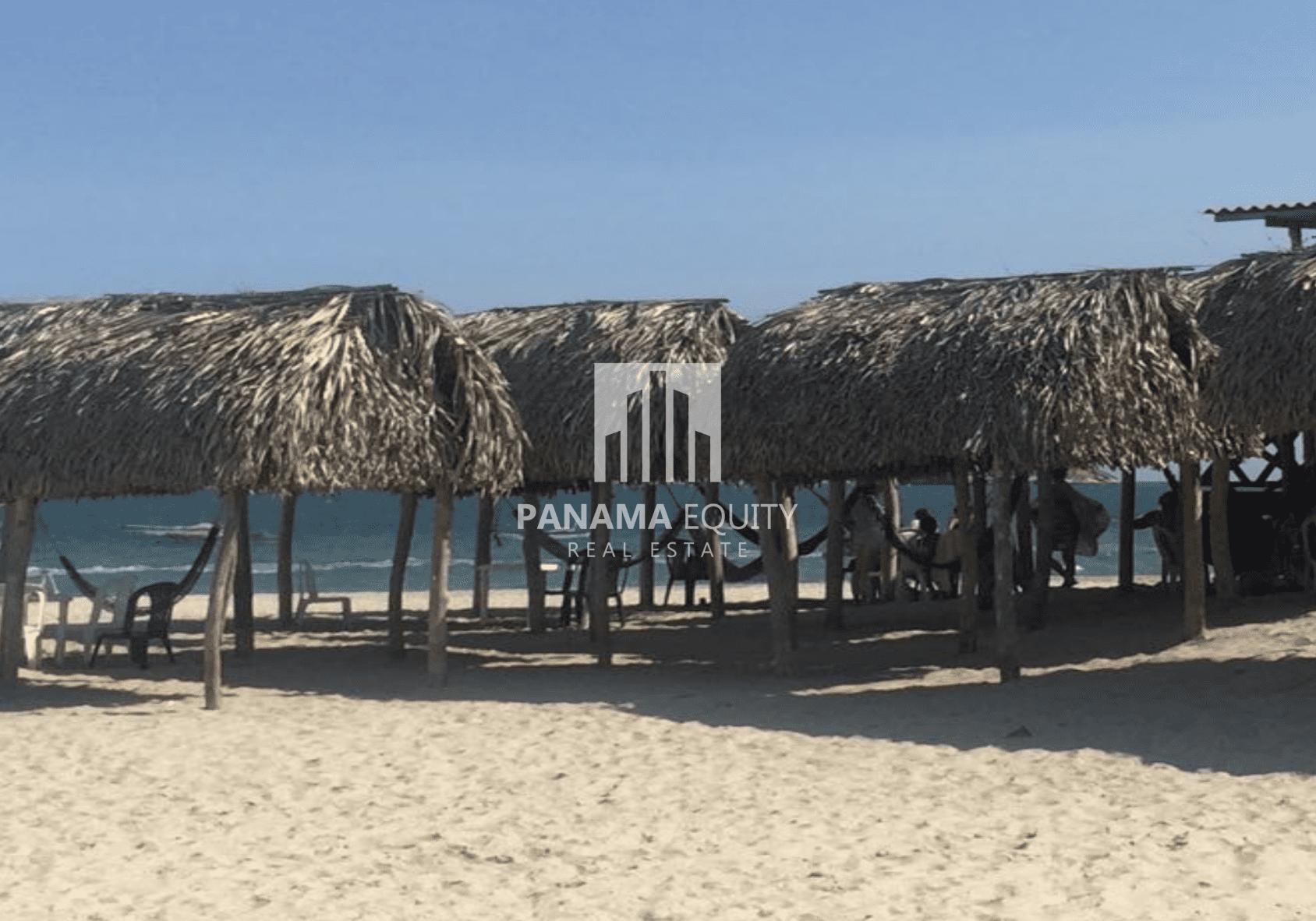 beach-huts-coronado