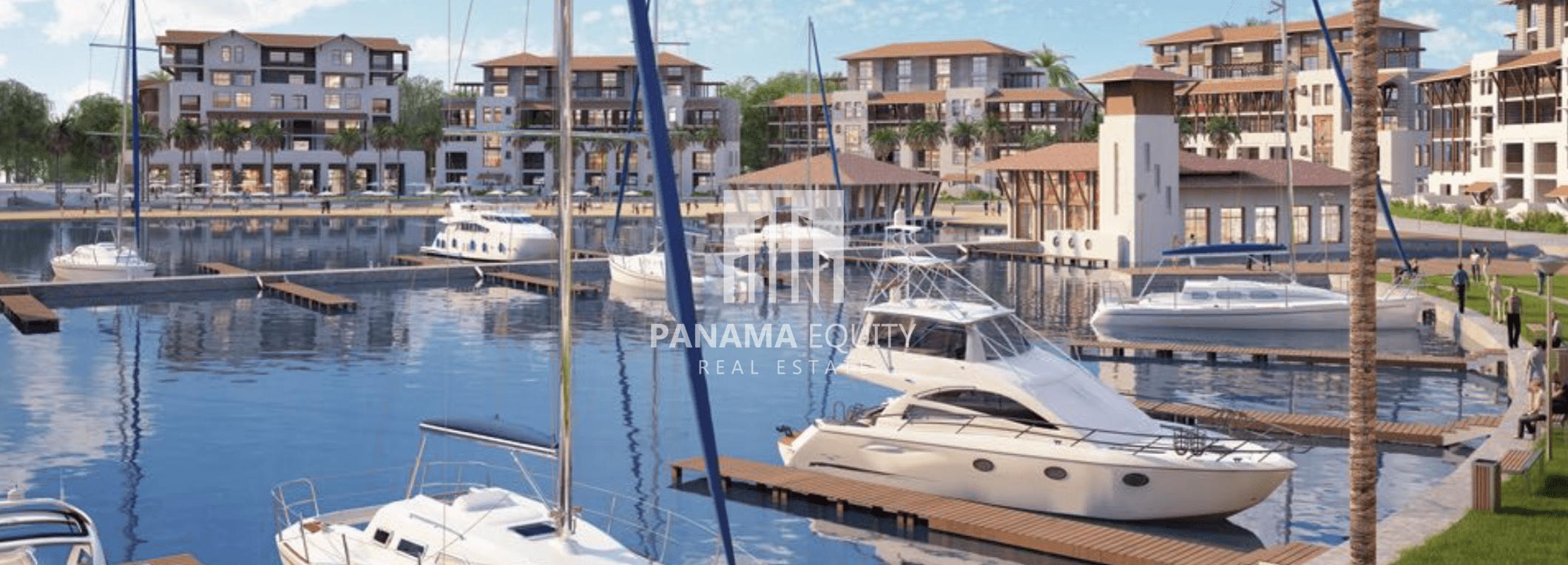 yachts-in-dock-coronado-panama