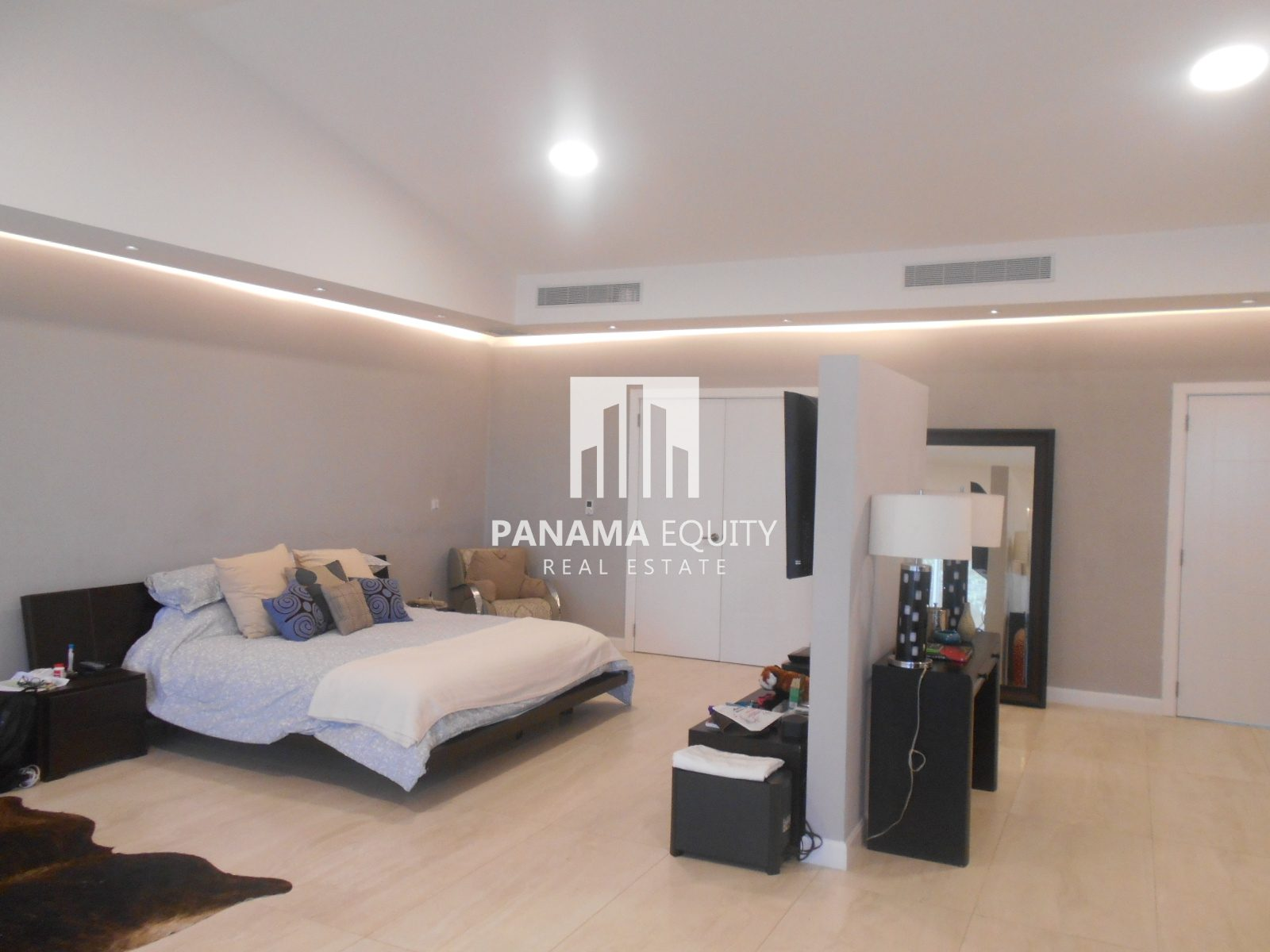 Gorgeous and Luxurious Paitilla House for sale